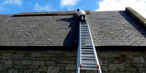 How To Put A Ladder On A Sloped Roof – A Must-Read Guidelines